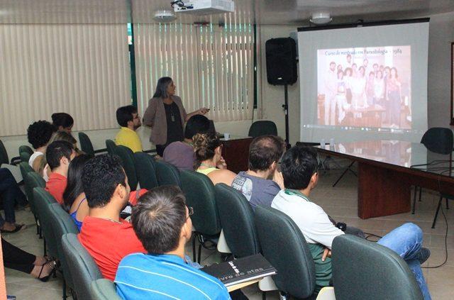 As atividades do Centro de Estudos ocorrem às sextas-feiras. (Fotos: Eduardo Gomes)